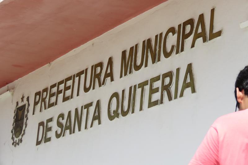 Justiça determina suspensão de licitações e bloqueio de bens do prefeito, secretários e nove empresas em Santa Quitéria