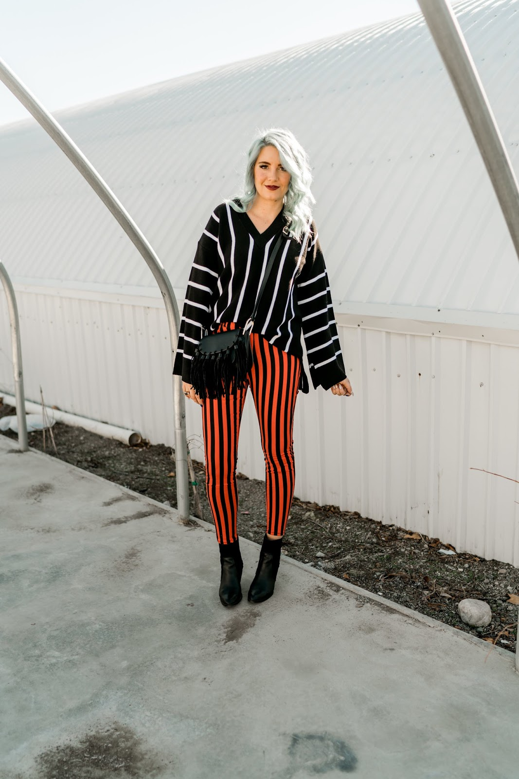 Striped top, striped pants, Blogger