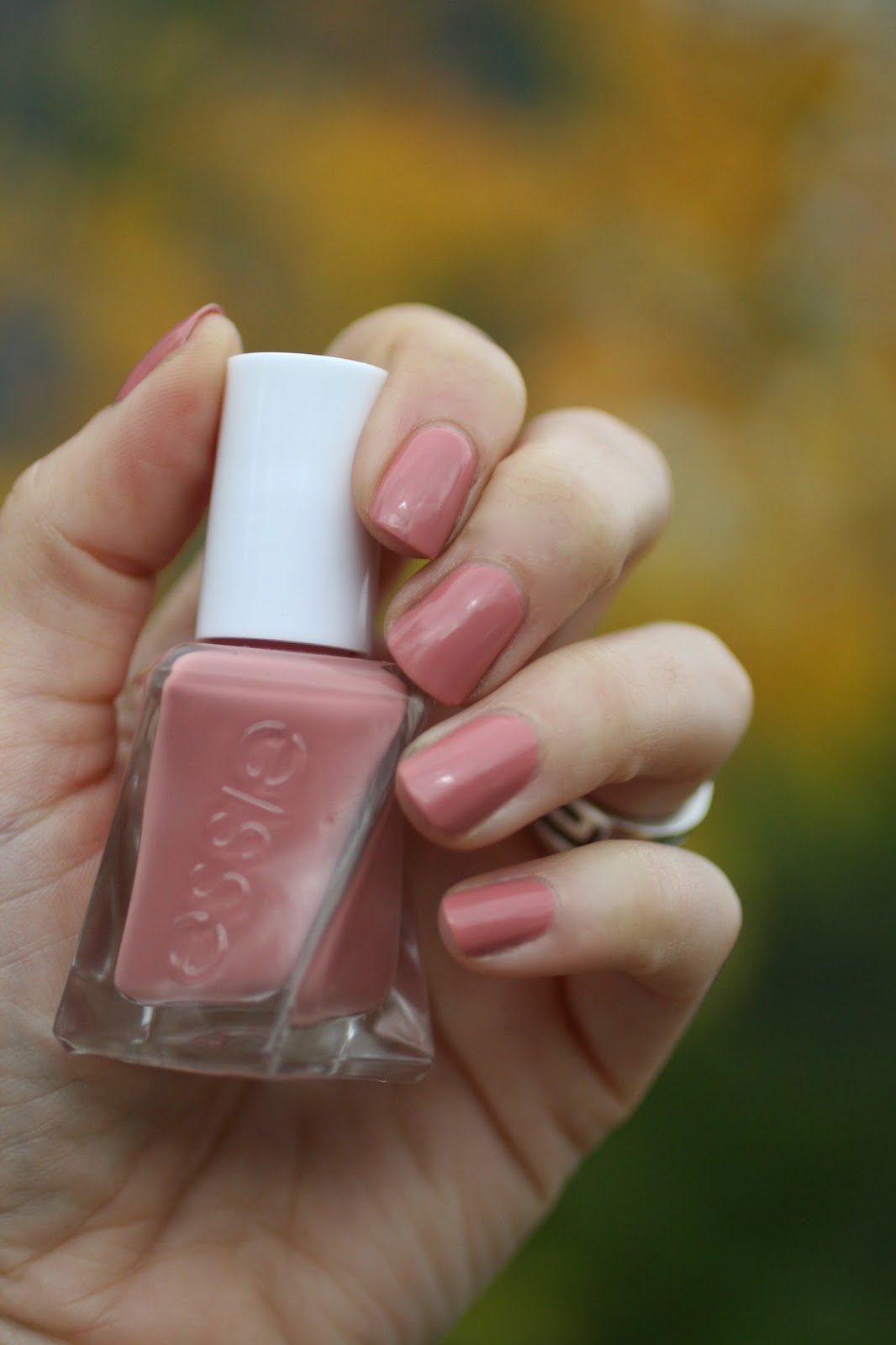 Essie Pinned Up | Essie Envy