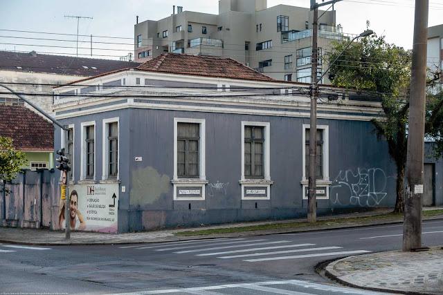 Casa na esquina da Rua Visconde do Rio Branco com Rua Martim Afonso