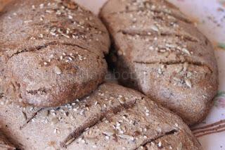 Рецепта за пълнозърнест хляб с орехи и семена