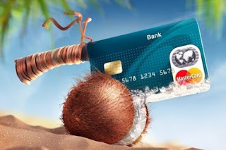 """По данным НАФИ, россияне оформляют кредитные карты """"на всякий случай"""""""