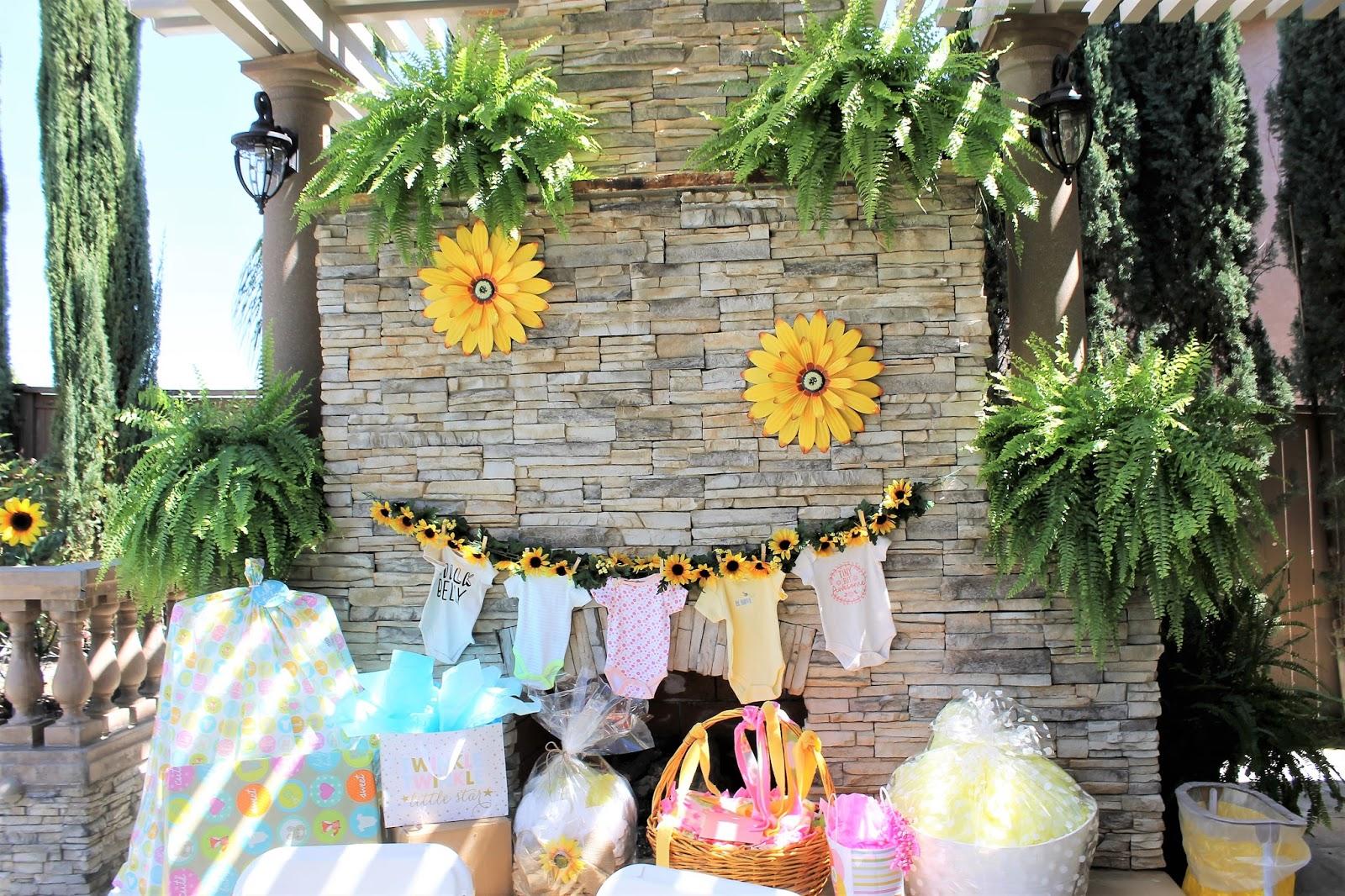 c83c9d093c946 The Other Kiki: Sunflower Baby Shower Decor