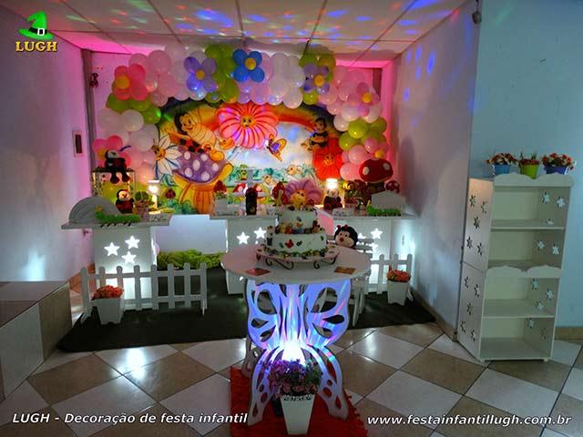 Mesa temática provençal simples - Decoração de aniversário feminino tema Jardim Encantado