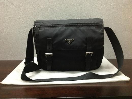 7a2a12930d37 ... authentic eeef3 0c4af  australia prada nylon messenger bag a5091 98a30
