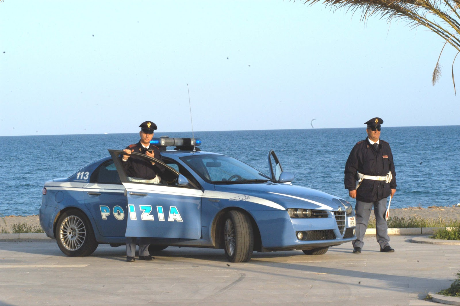 Permesso di soggiorno numero assicurata for Polizia di stato carta di soggiorno