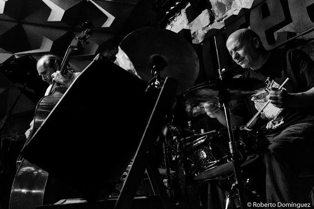© R.Domínguez - John Abercrombie Quartet
