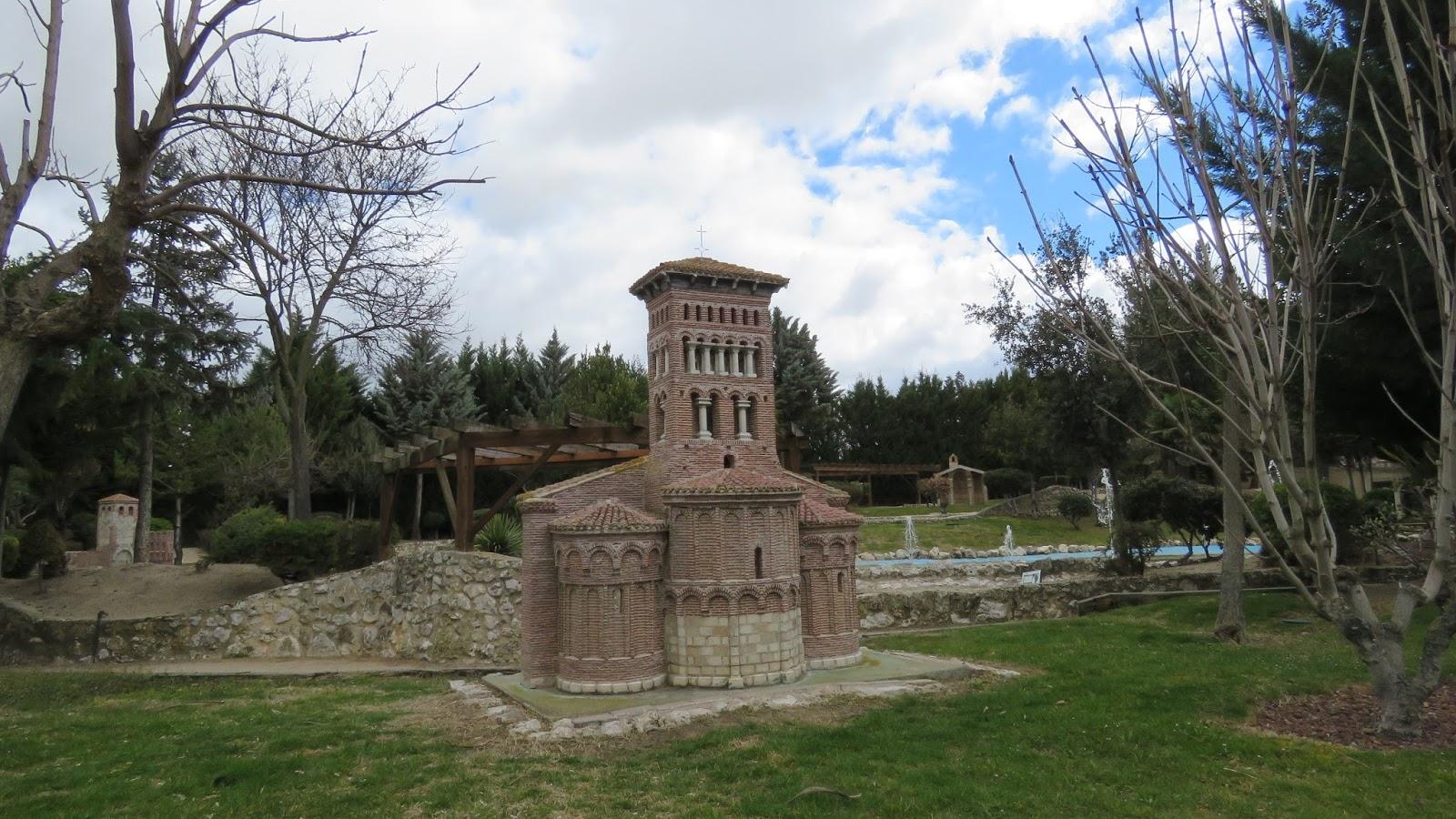 Visitando el parque tem tico del mud jar de olmedo for Jardines olmedo