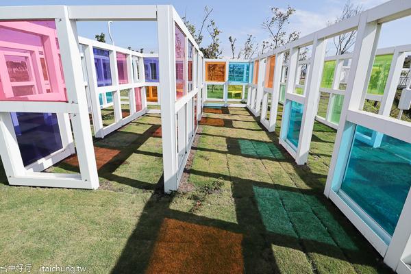 12感官體驗區的視覺體驗區,也稱為水湳普普風濾色地景裝置藝術