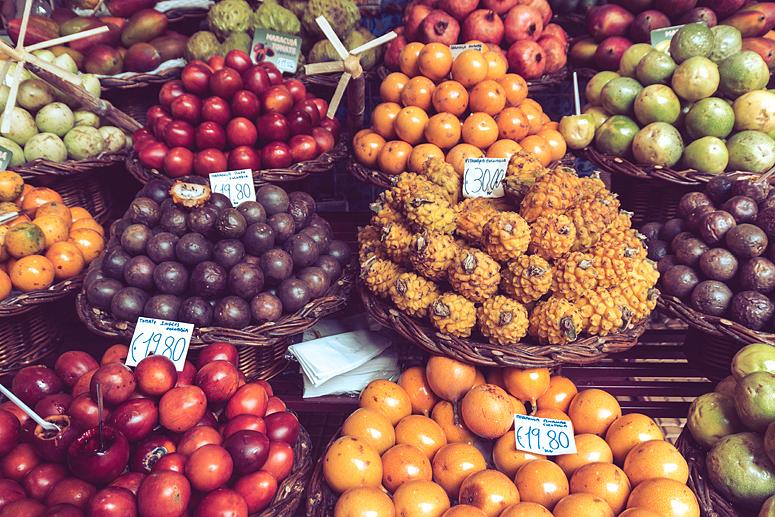 Owoce tropikalne na Mercado dos Lavradores Funchal