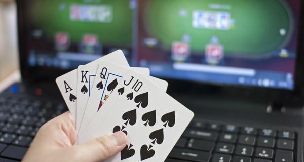 Kelebihan Dan Keuntungan Saat Bermain Poker