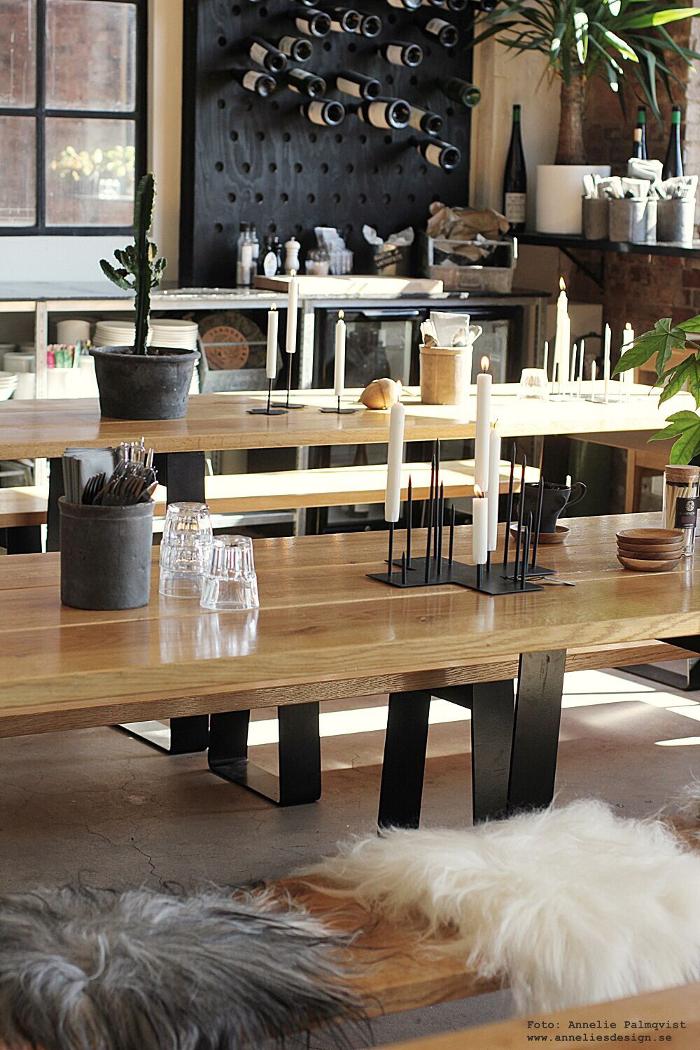 annelies design, ljusstake, candle cross, varberg verket, restaurang, industriellt, industri, lokal, mat, mysigt, lunch, lunchställe, inredning, sverigeunderlägg, förnicklad mässing, grytunderlägg, underlägg, sverigeunderlägg, mässing, hängande ljusstake, annelie palmqvist, design,