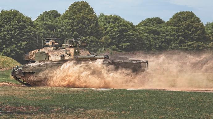 Wallpaper: Challenger Tank