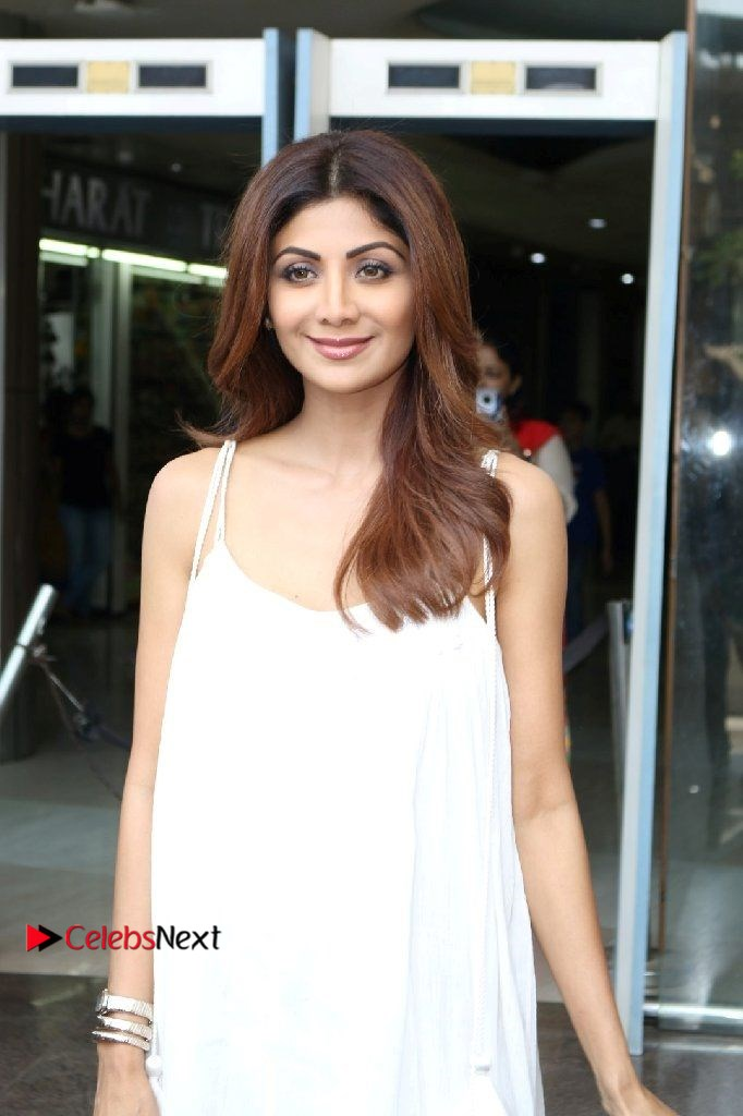 Shilpa Shetty Photos in White Gown at The Inauguration Of Shelar Make-up Academy