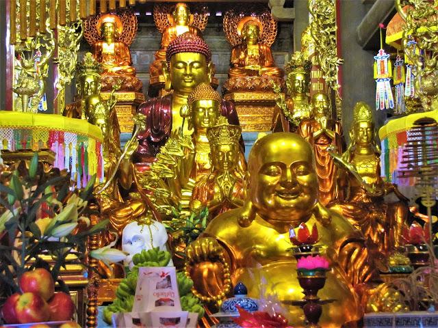 buddha temple fanispan sapa vietnam