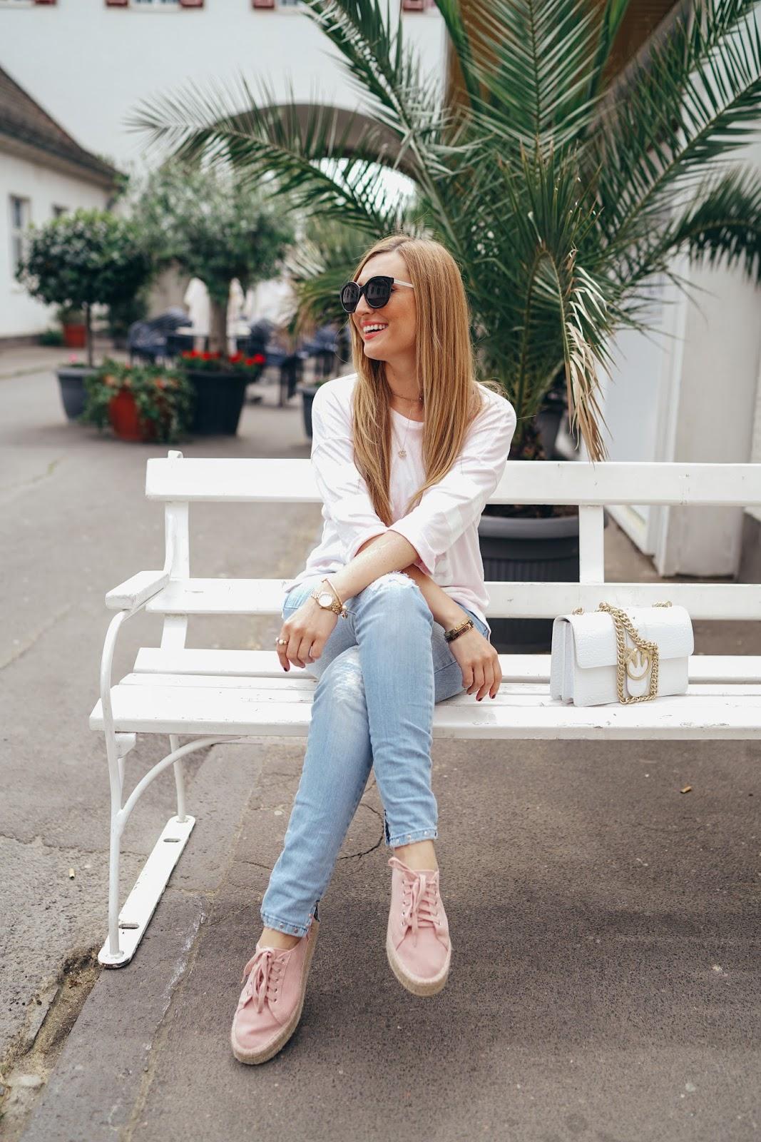 Collage-Look-Plateau-Schuhe-Plateu-Sneaker-kombinieren-bloggerstyle-fashionstylebyjohanna-blogger-aus-frankfurt-frankfurt-fashionblogger-beautyblogger