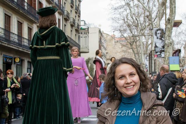 Barselona Santa Eulalia Festivali devler geçidi