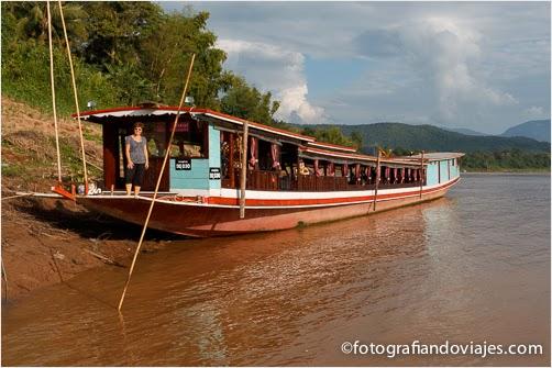 Barco rio Mekong en Laos