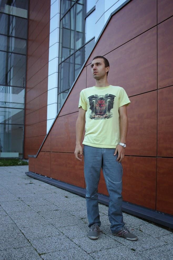 http://sciegiem-do-celu.blogspot.com/2014/09/spodnie-meskie-z-przescierada.html