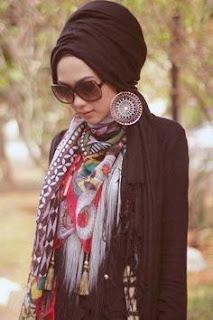 Cara Memilih Aksesories Pemanis Jilbab