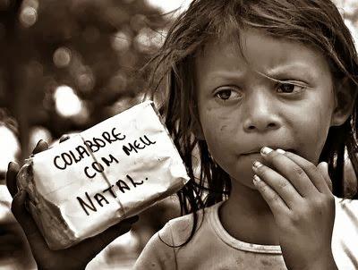 Resultado de imagem para crianças pobres brasileira
