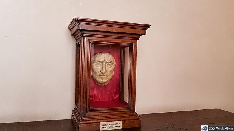Máscara mortuária de Dante no Palácio Vecchio - O que fazer em Florença, Itália - 40 atrativos