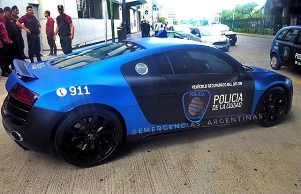 Audi R8 que realizó trompos en Palermo Patrullero