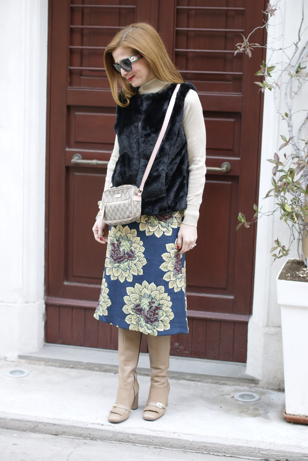 floral tapestry skirt and faux fur vest, Giovanni Fabiani boots on Fashion and Cookies fashion blog, fashion blogger style