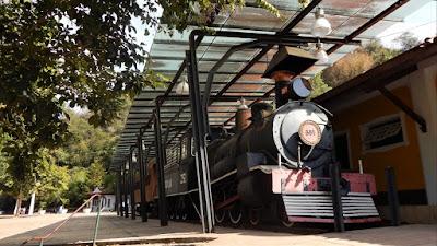 A locomotiva a vapor fez sua última viagem oficial em 1966.