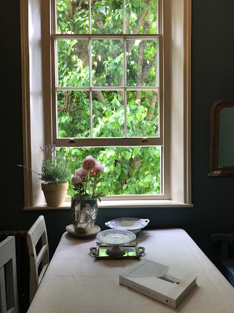deVol Kitchen showroom, interiors blogger, a quiet style, simple moment