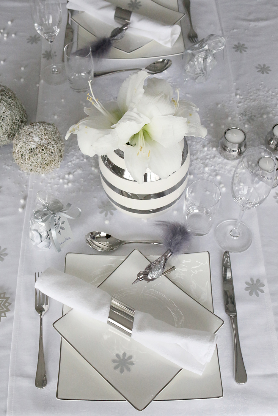 Gorgeous Holiday Tablescape by Anette Willemine