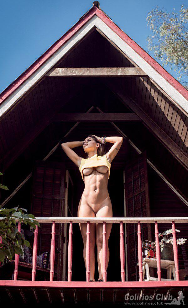 Vanessa Mesquita nua pelada