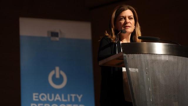 Παραιτήθηκε η Ράνια Αντωνοπούλου - Επιστρέφει τα χρήματα της επιδότησης ενοικίου - Ο Τσίπρας καταργεί την διάταξη
