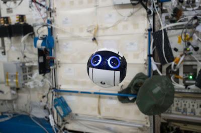 El robot flotant de l'Estació Espacial Internacional