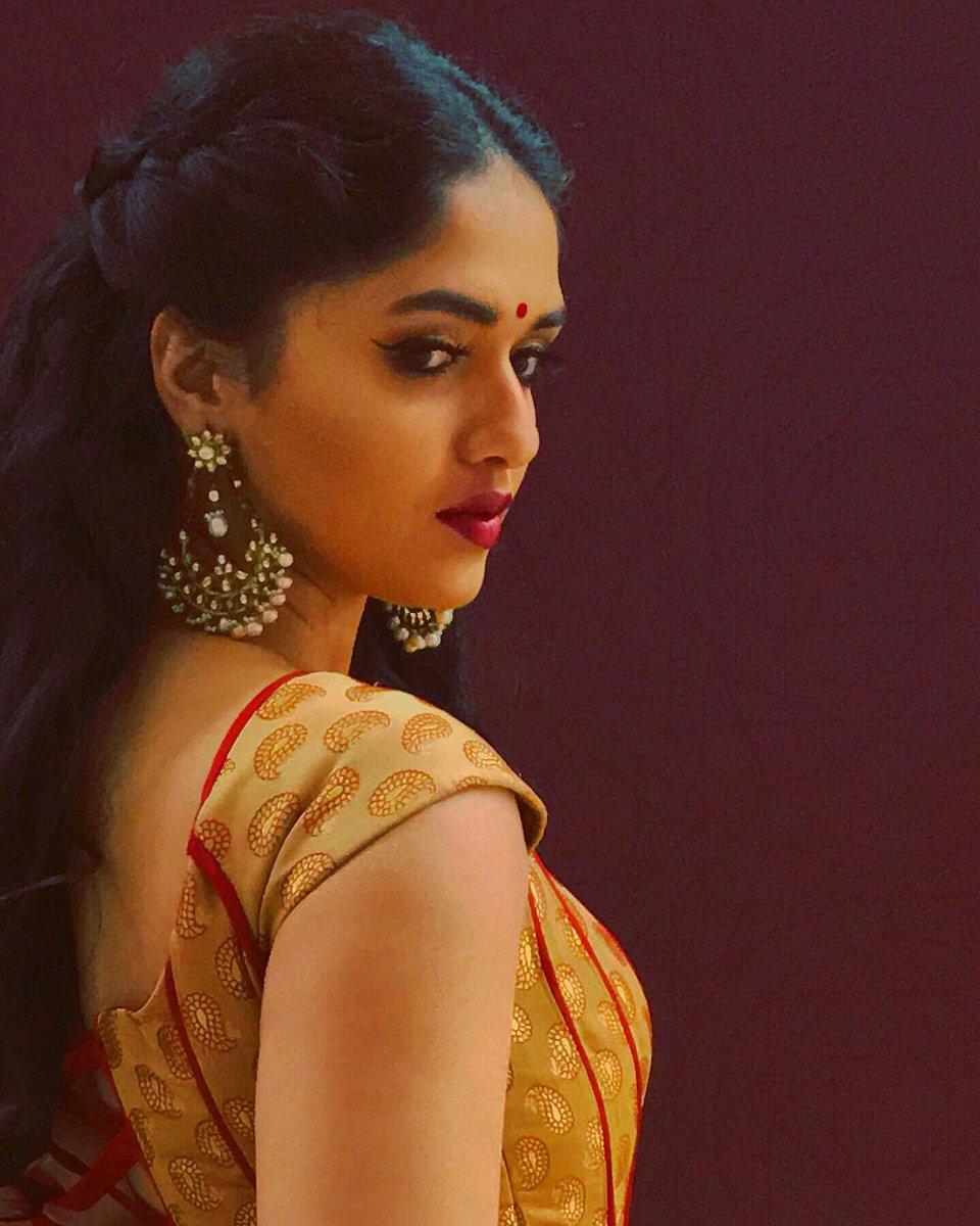Actress Sunaina Latest Photos - Latest Movie Updates, Movie