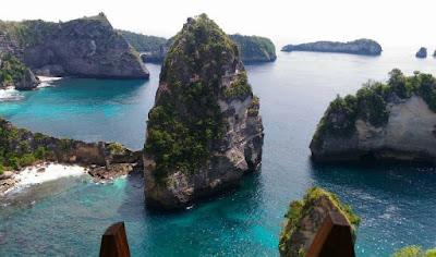 Tempat wisata pantai atuh di nusa penida