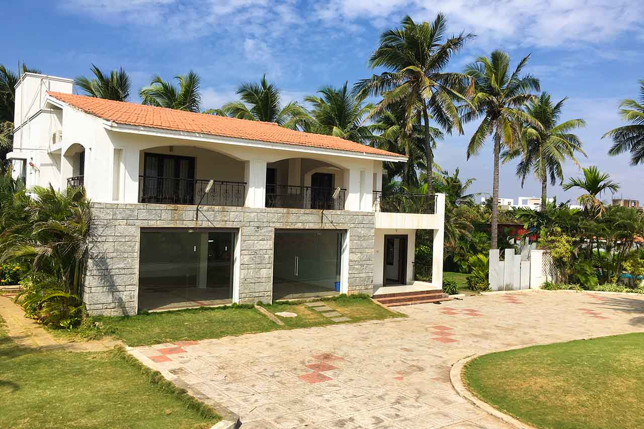 Moonland Beach House ECR