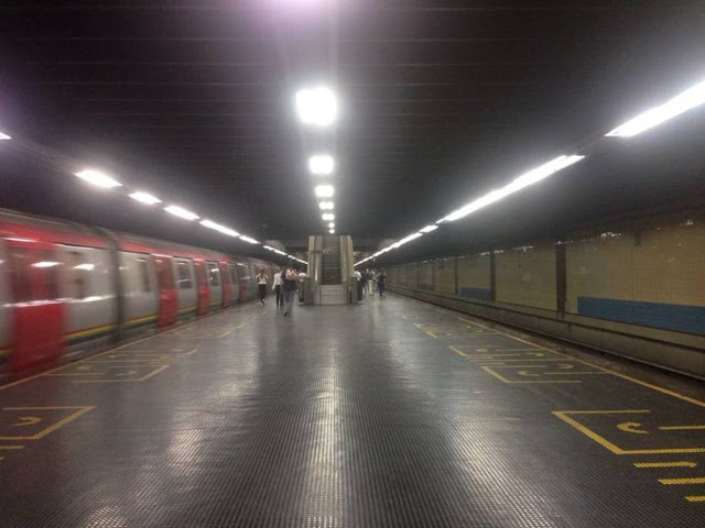 Metro de Caracas se quedó sin material para vender boletos