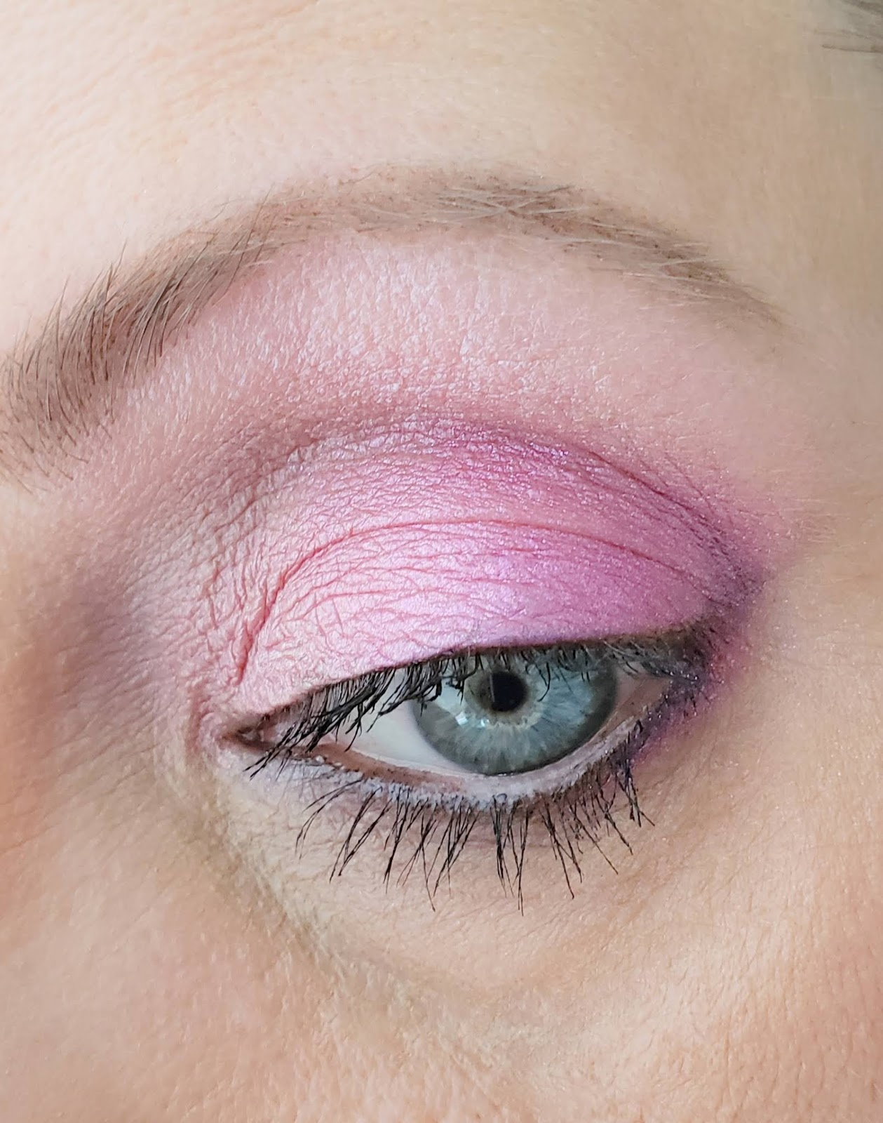The Juicy Beauty Word: Pink Makeup Looks with Pretty Pink Cosmetics