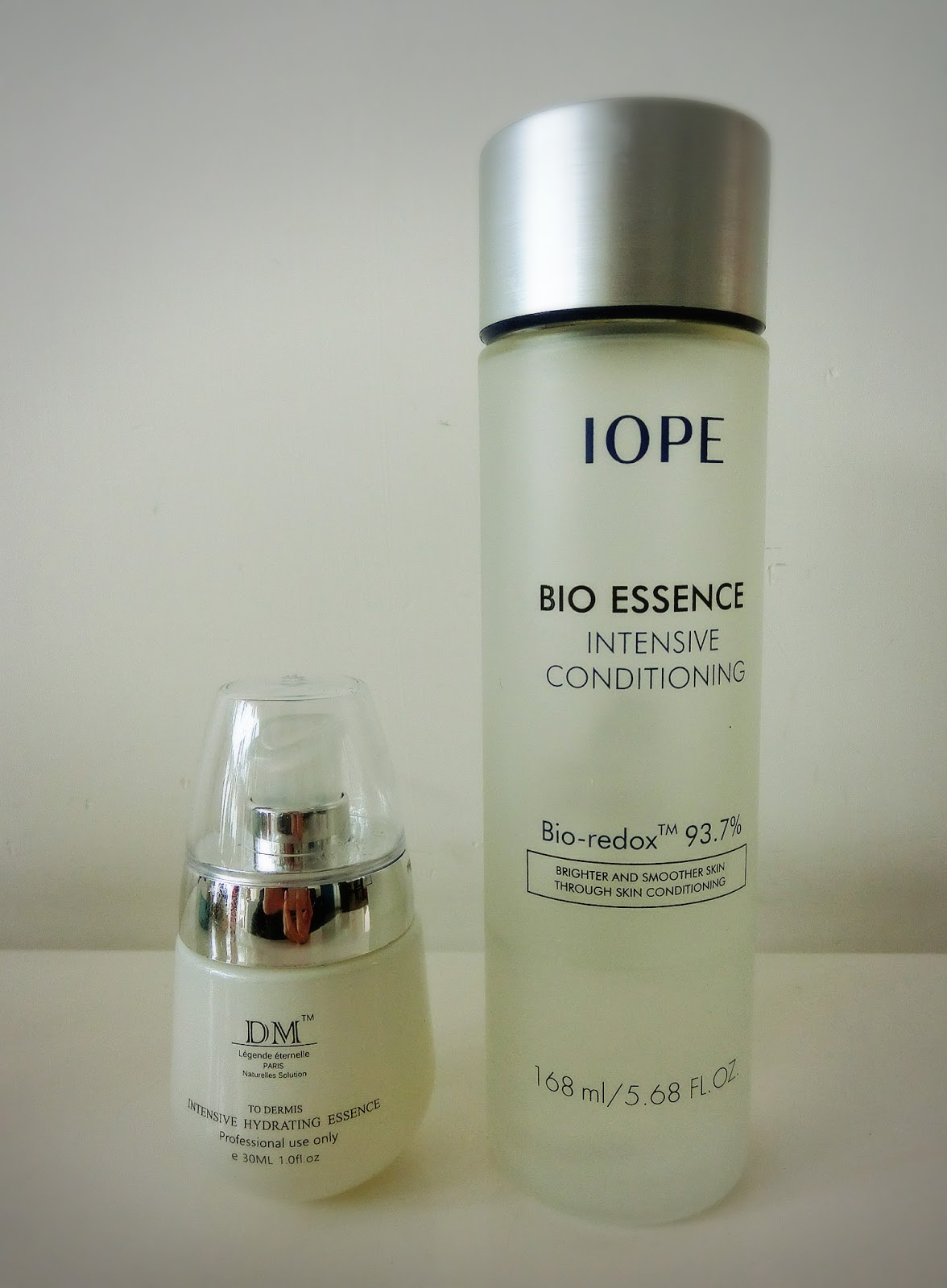 Genies Favourite Products December 2015 Shiseido Vital Perfection Treatment Cleansing Foam 30ml Before Applying The Dm One This Is My Second Bottle Of Iope Essence But Im Not Sure Whether I Would Purchase A Third Since Dont Use It As