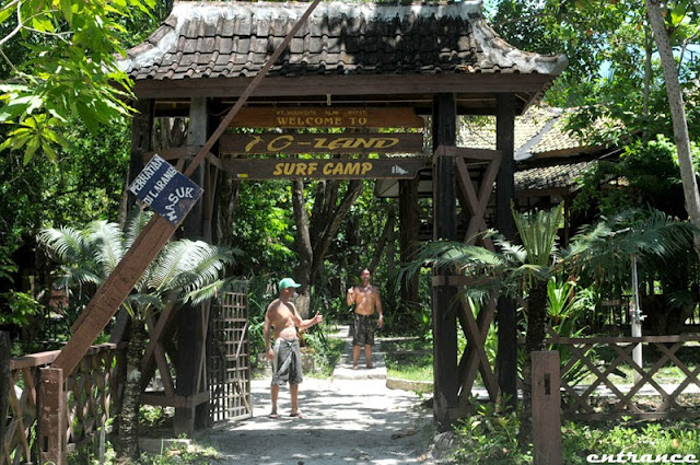 surf camp selamat datang plengkung