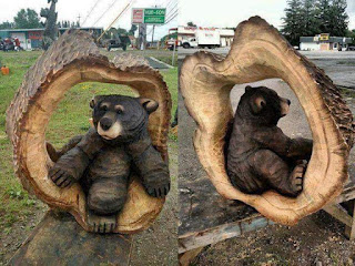 Beautiful works created by carpenters with recycled trunks..!! 😍🐻