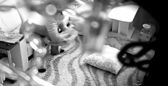В сети появилось видео жестокого обращения стерлитамакской няни с 8-месячным ребенком