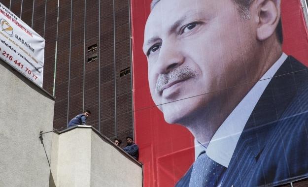 Σκληρή κριτική από τους διεθνείς παρατηρητές για το τουρκικό δημοψήφισμα