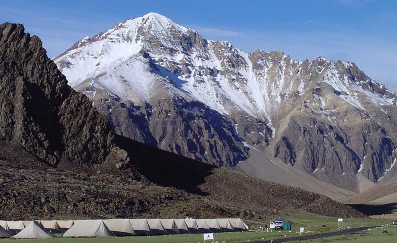 india,ladakh,zanskar,leh,lamayuru-monastery,markha-river-(india)