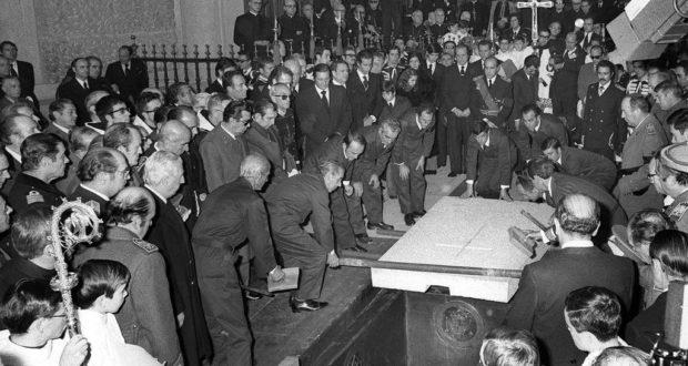 PP, C´s y PSOE rechazan exhumar los restos de Franco y demoler el Valle de los Caídos