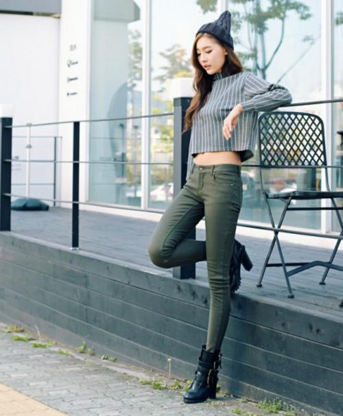 Low-Rise Skinny Pants