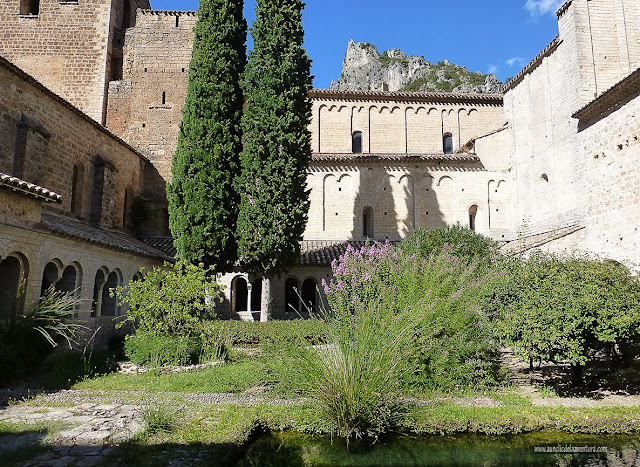 Claustro de la abadía de Gellone