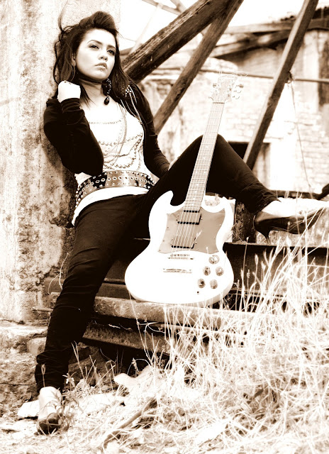 Mila Islam Bangladeshi Singer Hot
