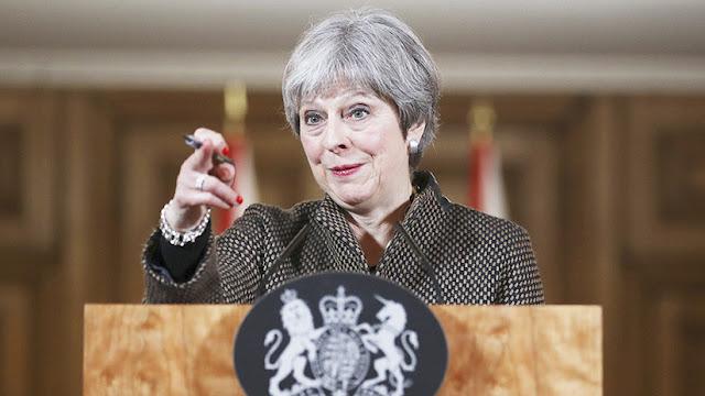 """Theresa May declara que el bombardeo contra Siria fue """"proporcionado y legal"""""""